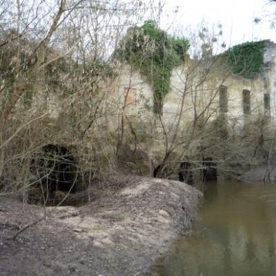 Ruines Grand Moulin (Guitres)